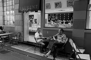 Cafe Society in the Lanes of  Melbourne