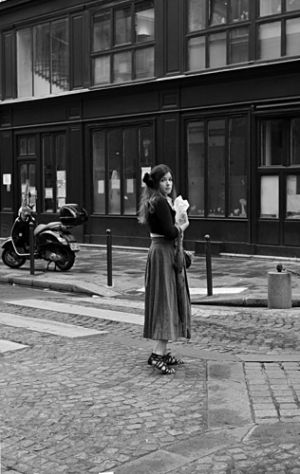 Timeless Parisienne Lady